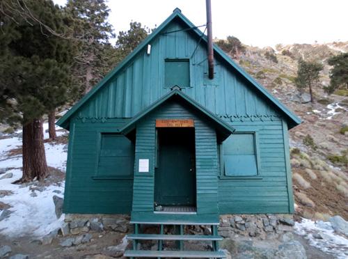 san-antonio-ski-hut