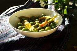 paprika-olives-white-bowl