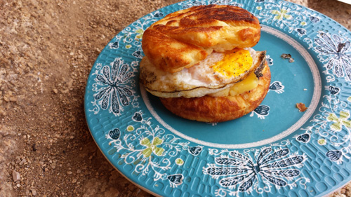 pie-iron-egg-sandwich