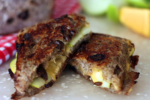 cheddar-apple-raisin-pie-iron-sandwiches