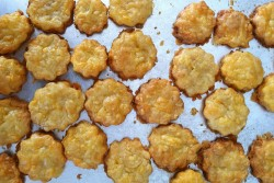 Herby Cheddar Cheese Crackers